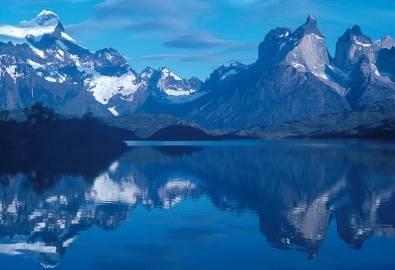 CHILE_Torres del Paine_Lago Pehoe im N.P. Torres del Paine