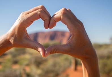 Australien_NT_Ayers Rock Herz_iStock-614614820