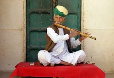 Indischer Flötist
