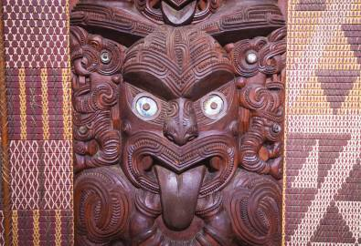 NZ_Maori_Wood_Art_shutterstock_392962951_05JUN2018