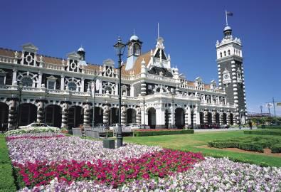 NZ_OT_Dunedin_Railway_Station_shutterstock_583237843
