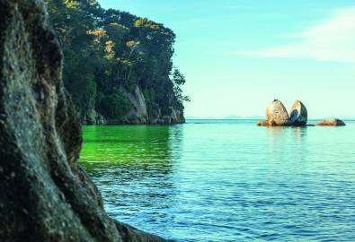 Split Apple Rock in Abel Tasman National Park