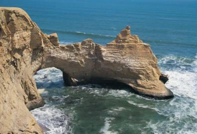 Peru Felsenküste