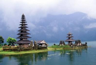 Indonesien Bali Bratan Lake Tempel