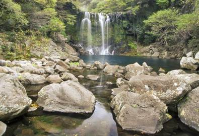 Korea Jeju Cheonjeyeon Wasserfall