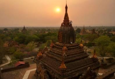 Myanmar Bagan Tal Pagodenfeld