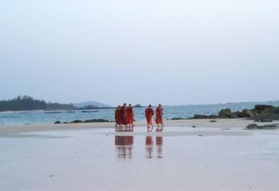 Myanmar Ngapali Strand Mönche