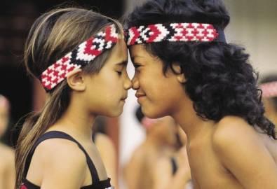 Neuseeland Maori Kinder Hongi