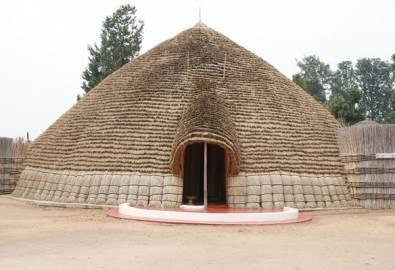 Ruanda Rundhütte