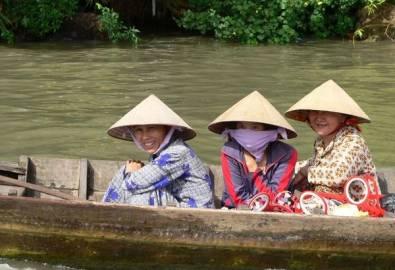 Vietnam Frauen im Boot